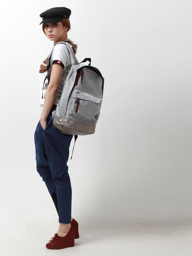 欧美模特背包图片