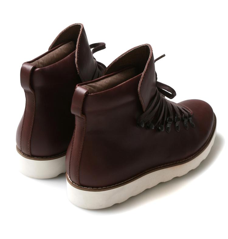 鞋底系带高帮皮鞋