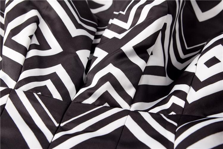 黑白棱格连衣裙