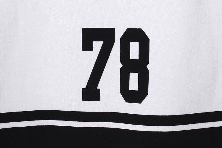 本品牌经典数字几何印花t恤,舒适的面料经典的款式,个性的图案图片