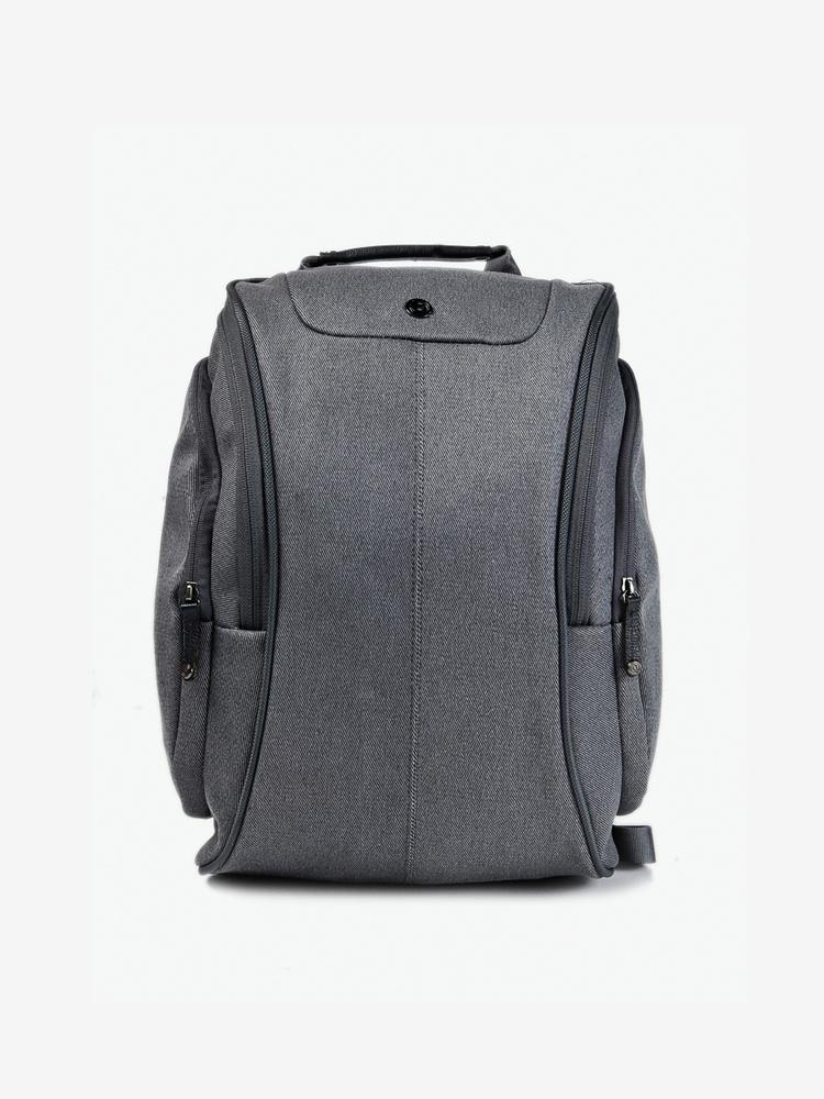 多功能休闲双肩背包 ,此款背包设计非常精良,外观非常独具美感和创意