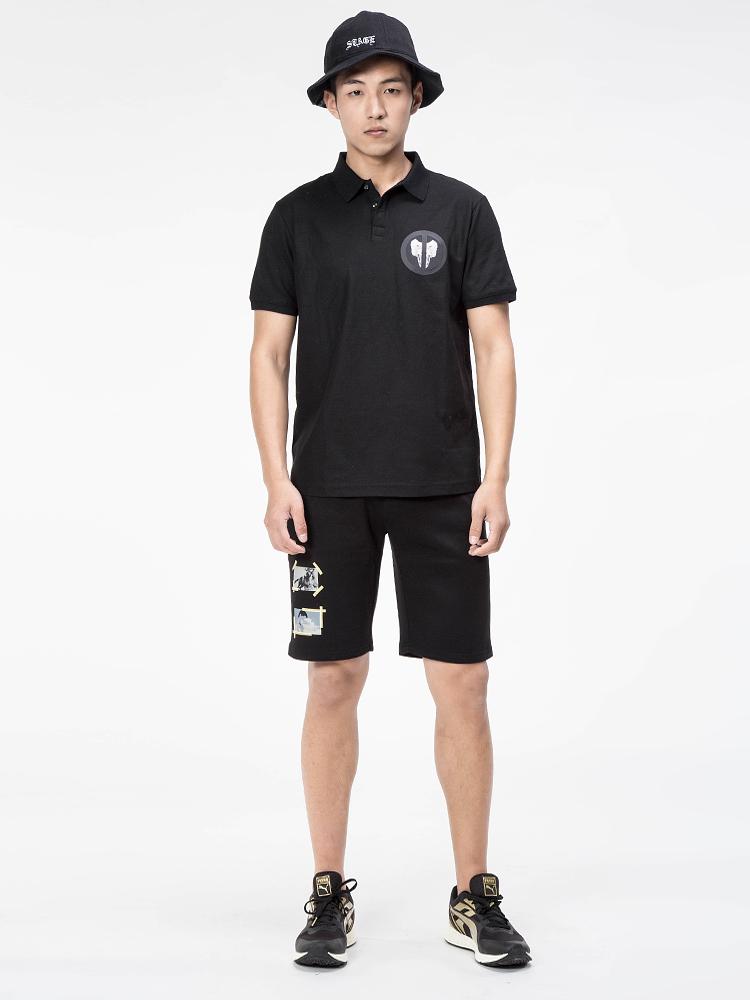 群前沿服装设计师在香港成立了香港潮牌设计有限公司,并推出品牌x132.